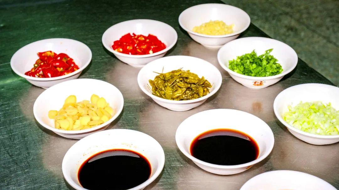 【蓝冠】房蓝冠上新|川味酸菜鱼挑战你的味蕾图片