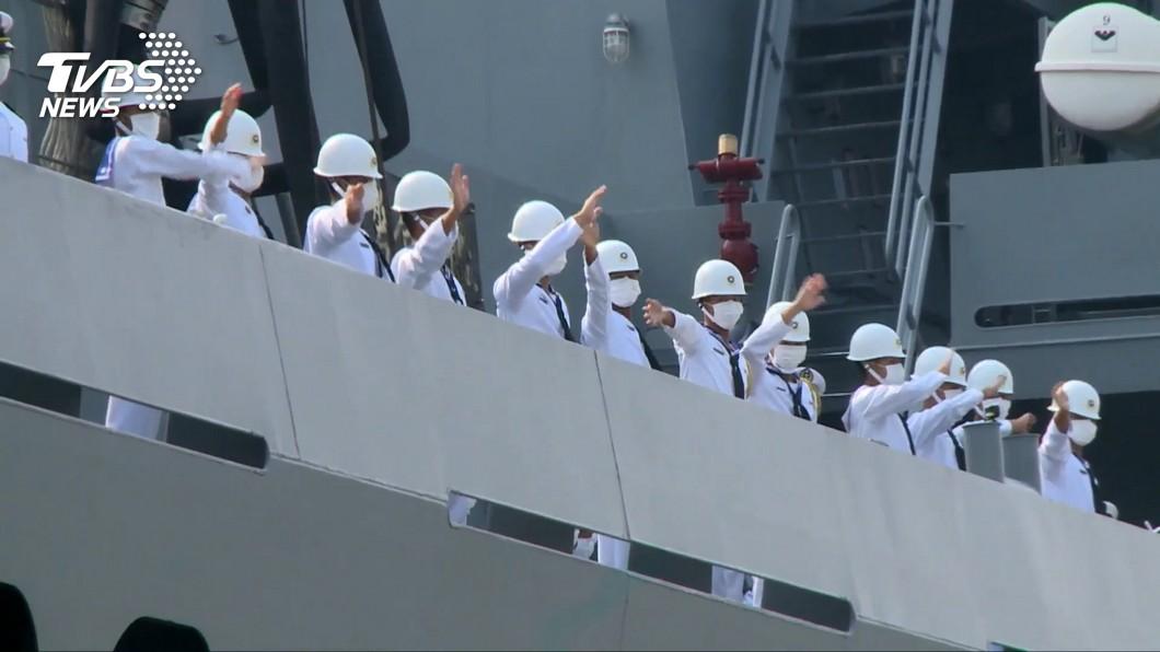 台军舰出现三例新冠肺炎确诊 700余人隔离图片