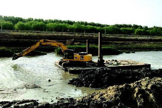 船载挖掘机对操作者技术要求更高。