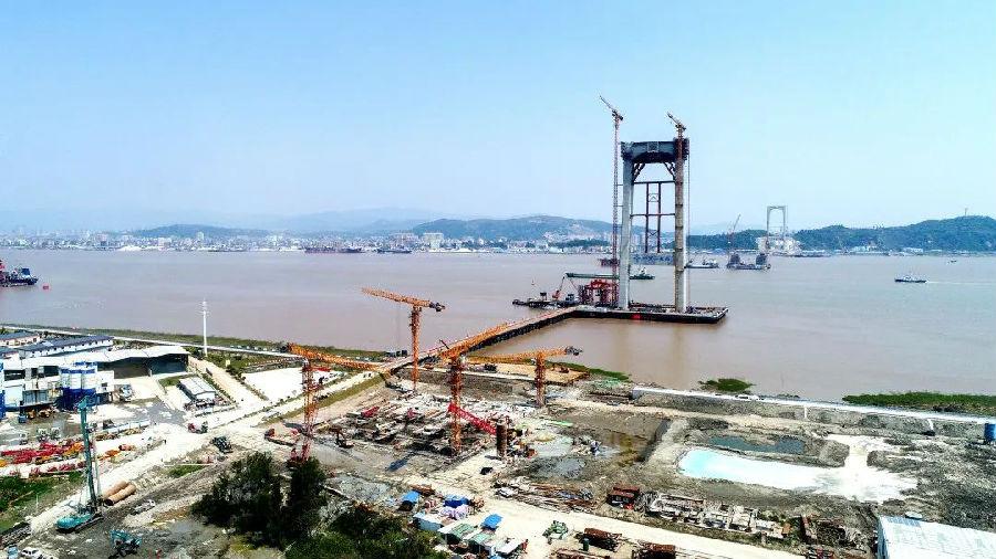 世界首例在深厚淤泥层中建造的超大型陆域沉井完美收官 中国交建承建图片