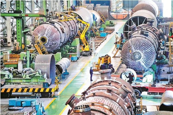 世界日投煤量最大气化炉在哈产成 日可达3300吨图片