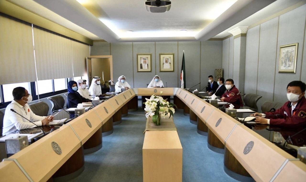 【摩天代理】科威特卫生大臣会摩天代理见中国赴科图片