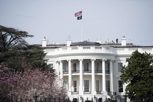 这是3月16日在美国华盛顿拍摄的白宫。 新华社记者 刘杰 摄