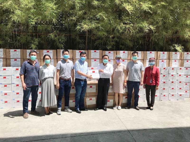 中国驻菲使馆再次向菲律宾社会捐赠防疫物资图片