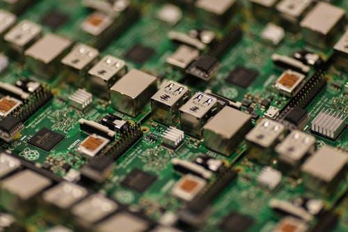 中国集成电路发展见曙光,芯片产业可再成长上百年