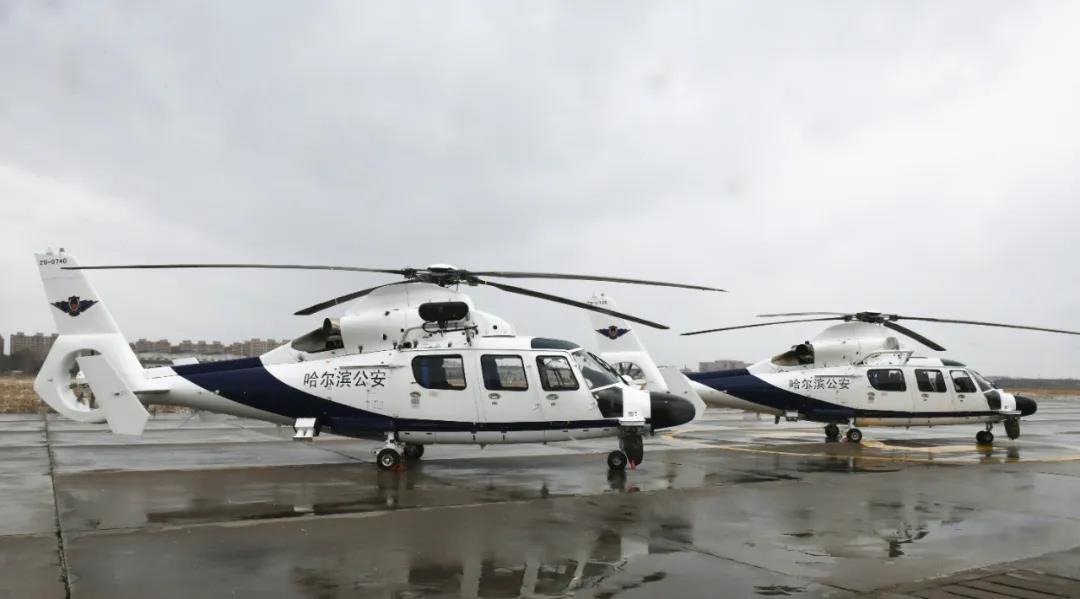 杏悦代理:AC31杏悦代理2E直升机首次交付客图片