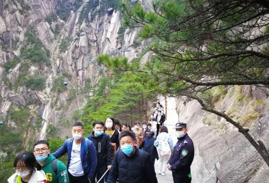 中国旅游研究院:2020年清明假期4325.4万人次出游,同比减少61.4%
