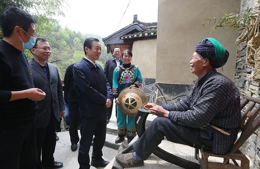 【蓝冠官网】精蓝冠官网准扶贫首倡地的政图片