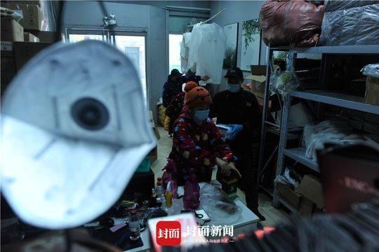 被团结国点赞的四川自愿者雨衣妹妹刘仙