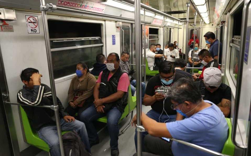 △墨西哥城地铁内景 全民戴口罩