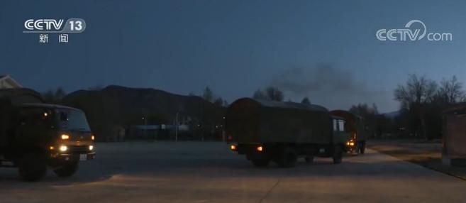 陆军:紧急拉动 锤炼部队远程机动作战能力图片