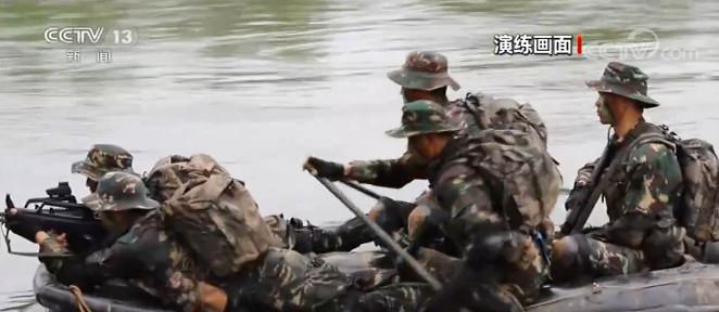 陆军:战场渗透破袭 锤炼侦察兵综合战力图片
