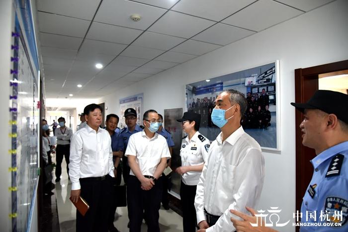 张仲灿调研检查地铁反恐防暴工作图片