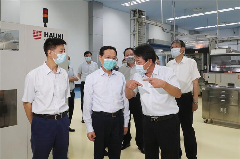 武在调研烟草产业杏悦娱乐转型发展时,杏悦娱乐图片
