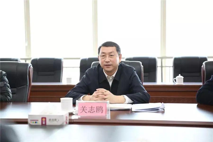 摩鑫登录东最年轻省委常委摩鑫登录进京履新图片