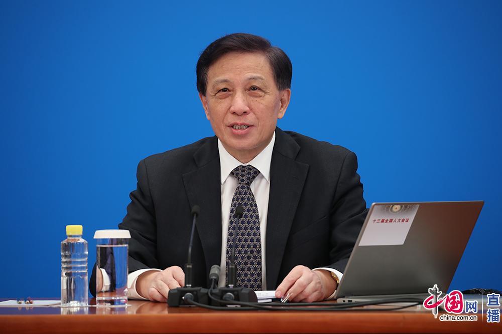 """张业遂:中国军事开支报告清清楚楚 不存在""""隐性军费""""问题图片"""