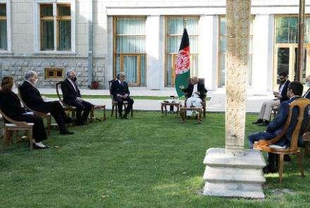 美阿富汗问题特使哈利勒扎德到访阿富汗 敦促阿内部谈判开启