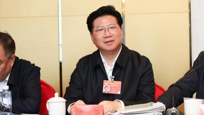 [天富]全国政协委员天富胡卫默哀之后砥砺前图片