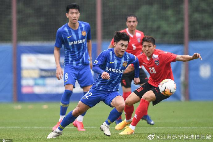 热身赛:冯伯元破门黄紫昌造乌龙,苏宁一线队2-1预备队