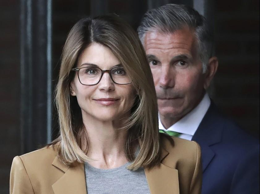 美大学校园舞弊案 好莱坞明星夫妇认罪