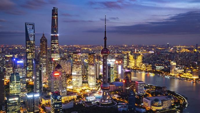 【摩天娱乐】遇非常时期来自上海的代表摩天娱乐委员图片