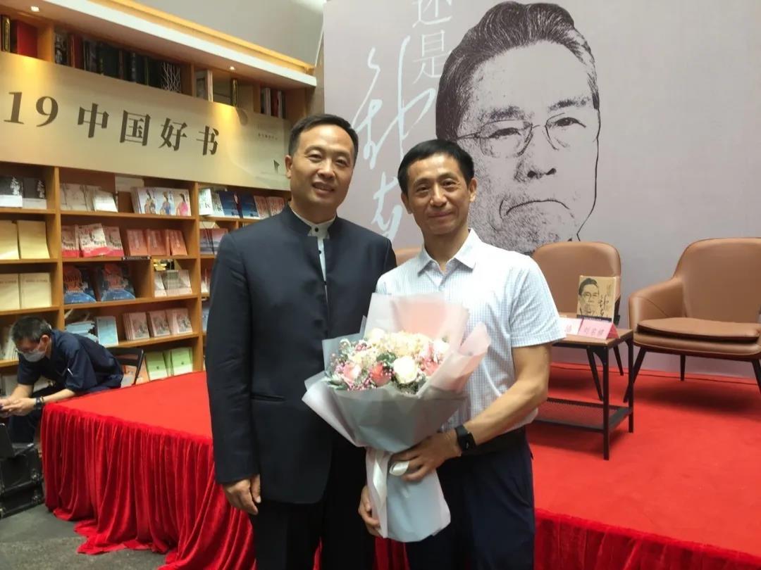 《还是钟南山》新书首发式在广州举行图片