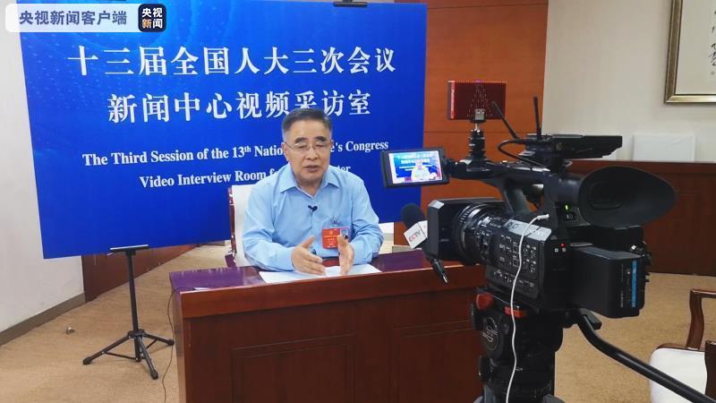 张伯礼:我不是英雄 志愿者们、武汉人民才是英雄图片