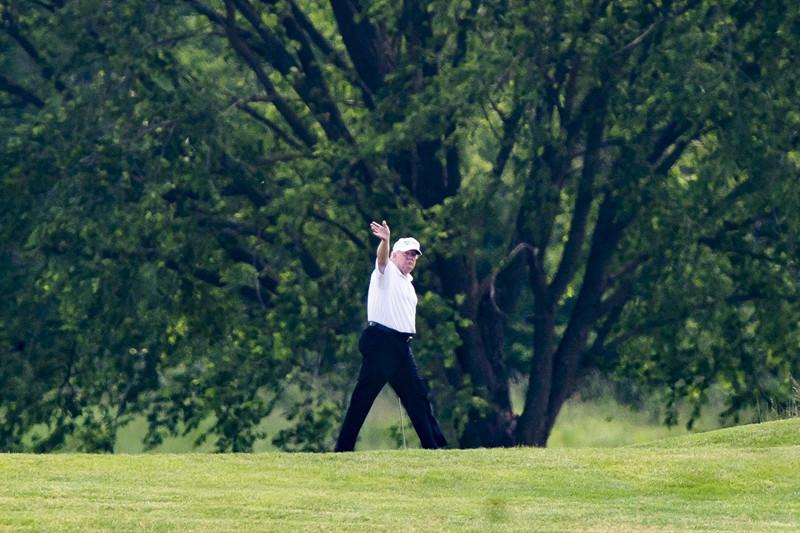 特朗普5月23日打高尔夫(JIM LO SCALZO)