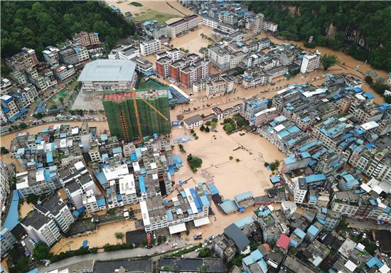 广西百色:暴雨致洪灾武警官兵紧急驰援