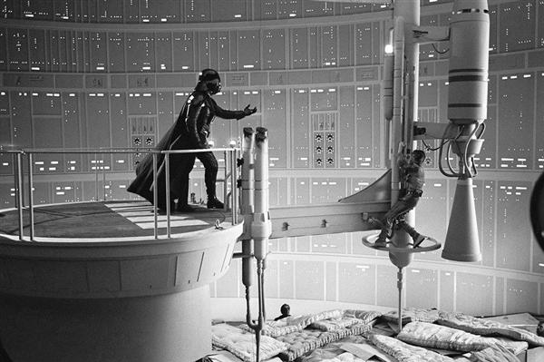 """卢克回应《星战》""""我是你爸""""剧情 为保密憋了一年"""