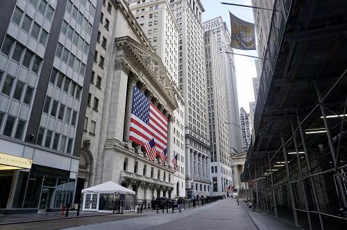 纽约证券交易所宣布5月26日起重启交易大厅