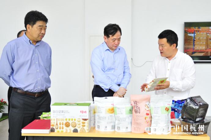 赢咖3:刘忻赴钱塘新区走赢咖3访服务企业图片