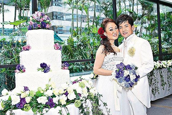 2009年邓咏诗和苏炳龙结婚