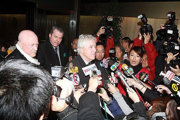 2011年,何鸿燊的律师高国峻就争产纠纷开记者会。