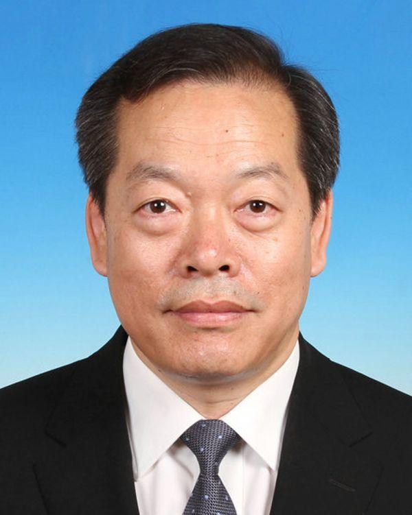 冯忠华辞去全国人大常委会委员 已任海南省副省长图片