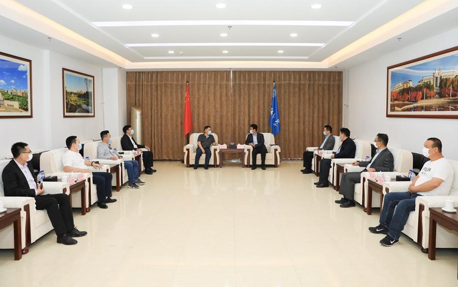 长春市科学技术协会副主席刘成斌一行来吉林大学慰问