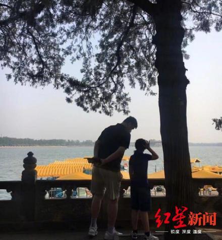 ▲姚明带女儿游览颐和园(图据微博@北京人北京事儿)
