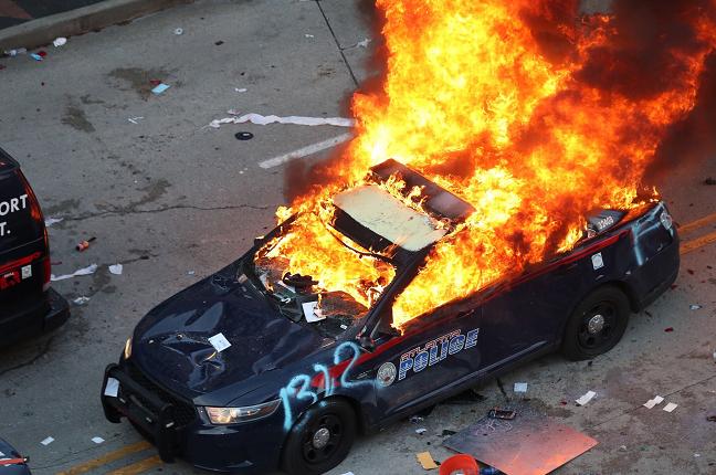 △亚特兰大市被烧毁的警车