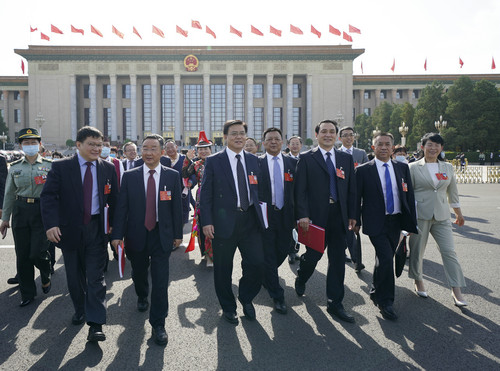 外媒:中国两会成果超出外界预料图片