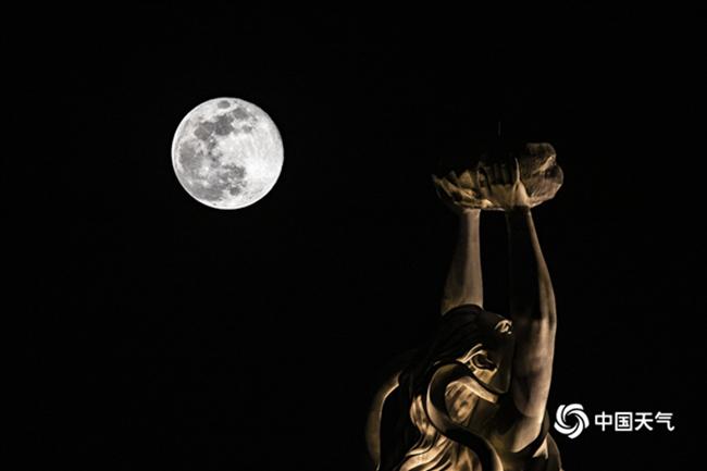 一次超级月亮哪能见赏月地摩天注册图告诉,摩天注册图片