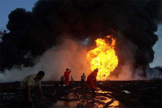 """""""失控""""2周后印度天然气田爆炸 浓烟火光10公里外可见"""