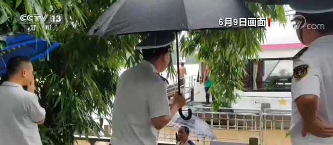 广西桂林:漓江再迎超警戒水位 旅游船舶停航图片