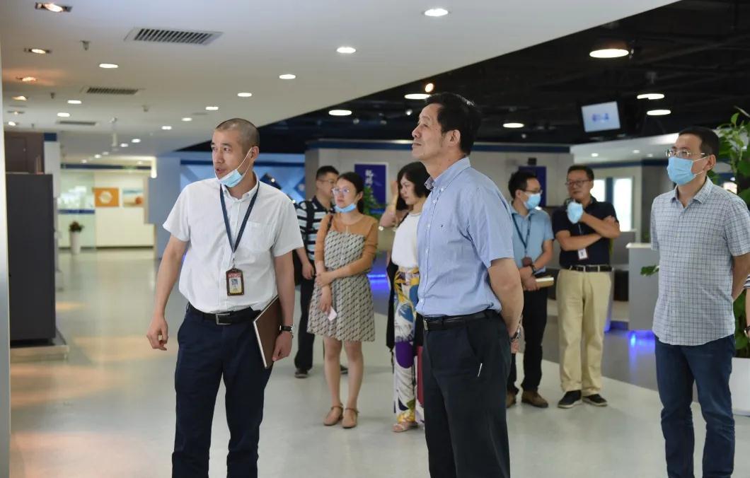杭州市委军民融合办副主任蔡德全一行莅临东方通信调研