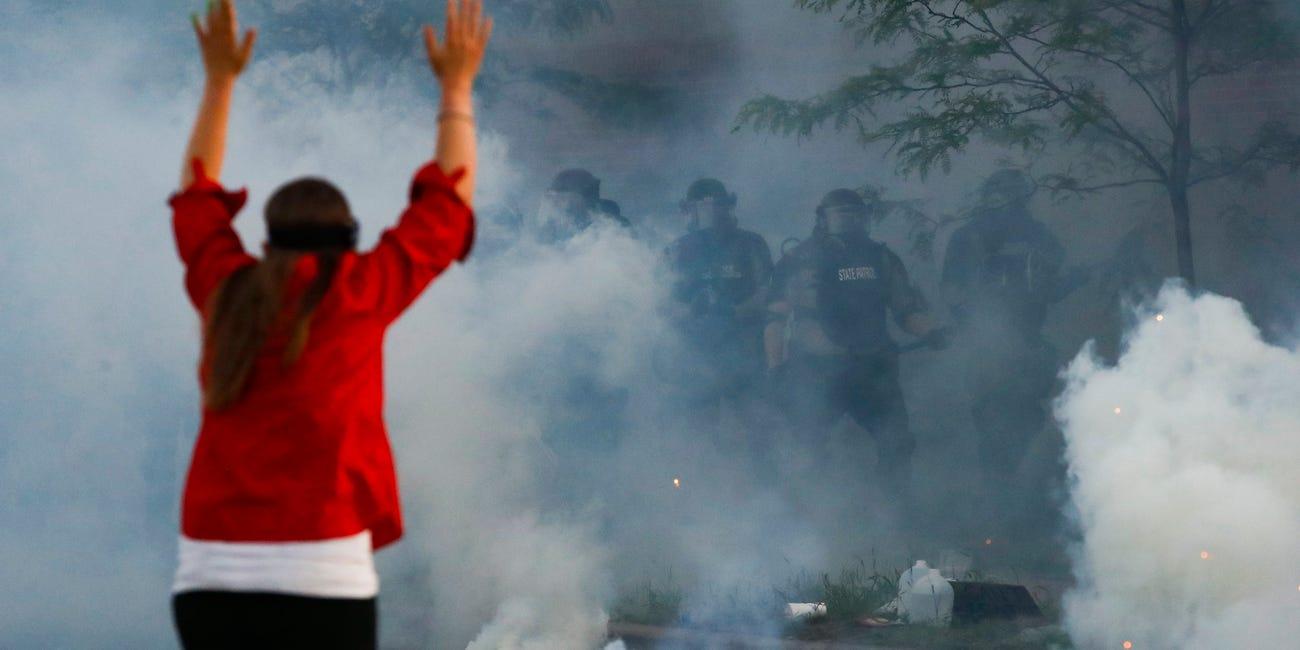 美国记者抗议现场中弹失明 怒告