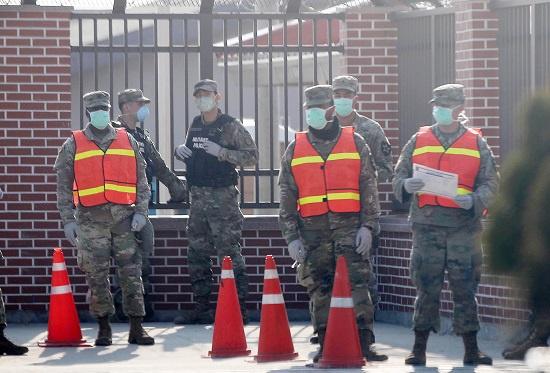 2名驻韩美军士兵确诊 系乘坐美政府包机入境