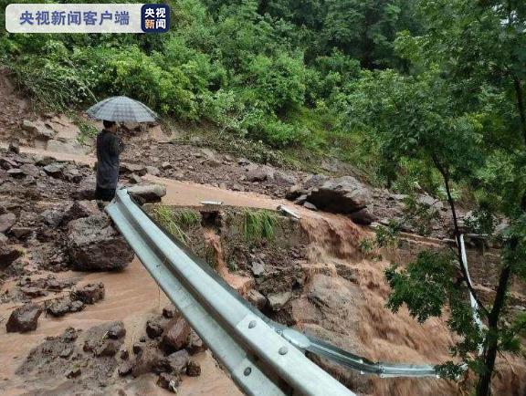 重庆9.6万人因暴雨洪涝受灾 直接经济损失4063万元图片