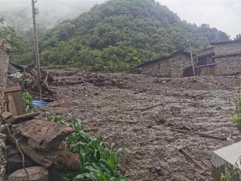 四川甘孜九龙县湾坝镇突发泥石流 129人成功避险图片