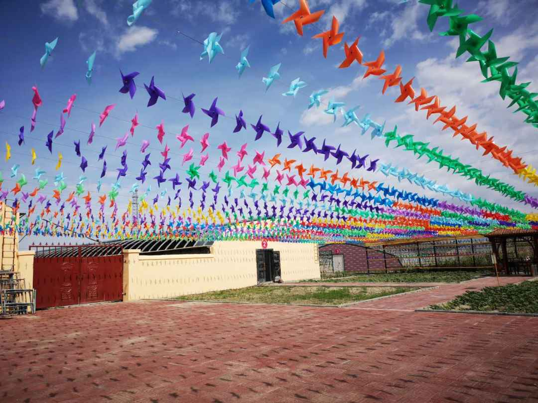 新疆库尔勒:昔日荒地变旅游基地图片