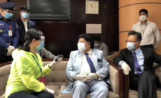 「赢咖3」誉中国医疗专家组访孟是历赢咖3史性事图片