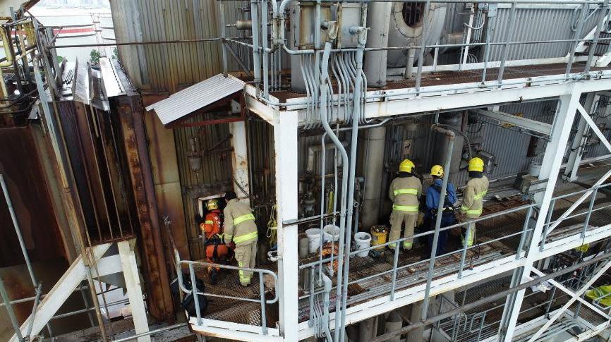 香港化学废物处理中心金属棚架倒塌 10人获救送医院图片